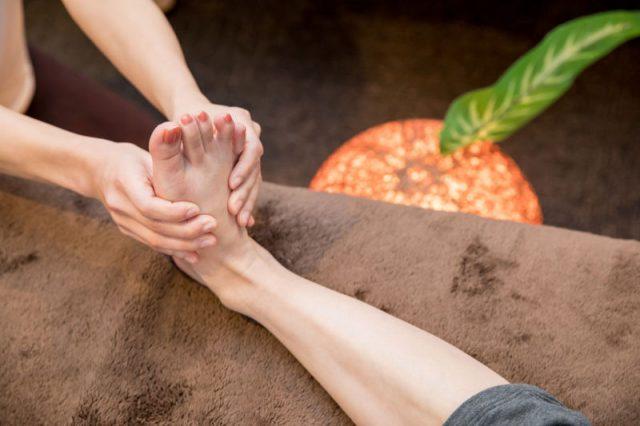 足裏のリフレクソロジー