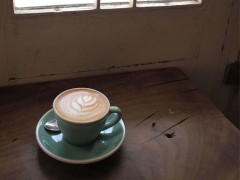 コーヒーセミナーで美味しいコーヒーの入れ方を習う