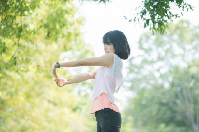 ジムで身体を動かす or 公園でランニング