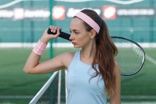 テニスを習う